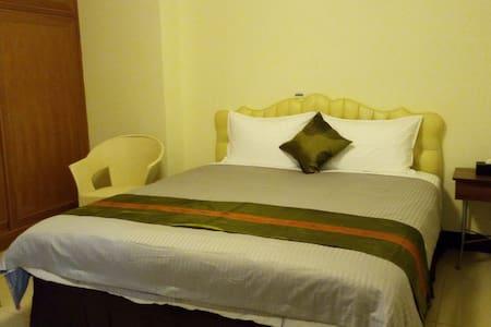 羅舍的家 (套房,近機場與七星潭,價格實在,付美式早餐,舒適床墊,飯店等級) - Xincheng Township