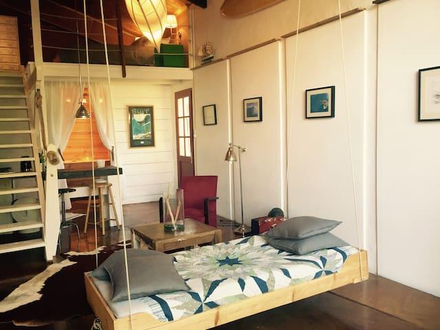Artist loft surfer hideout - Guéthary - Flat