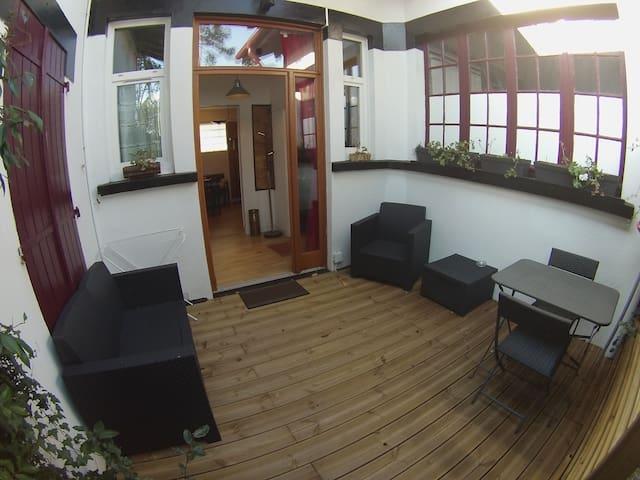 Studio sympa avec terrasse