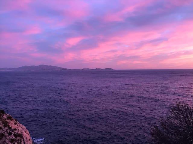 Maison ac terrasse 2 min de la mer calanque Niolon