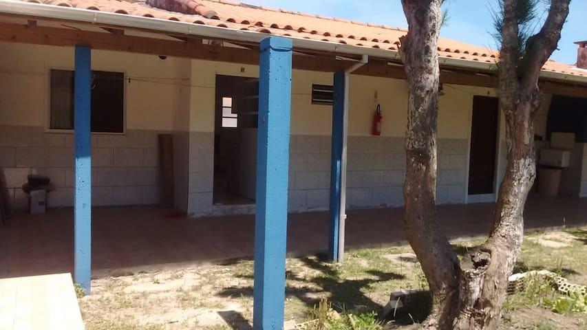 Apartamento 100m da praia - Camacho