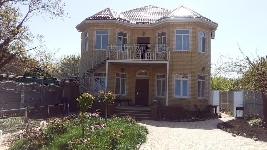 """Гостевой дом """"На Одесской"""", самый центр, комната№3"""