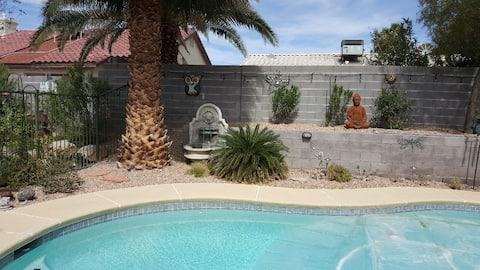 Su Casita: Private cottage with Queen Bed & Bath