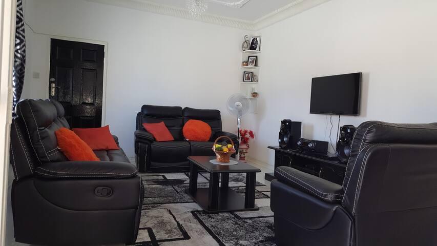 The Garage villa Gweru (0ption for 1 or 2 beds)
