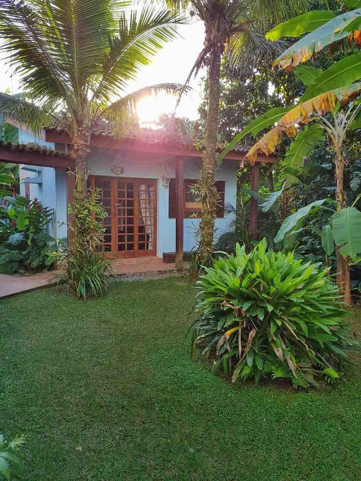 Chalé em casa de família na praia de Pernambuco