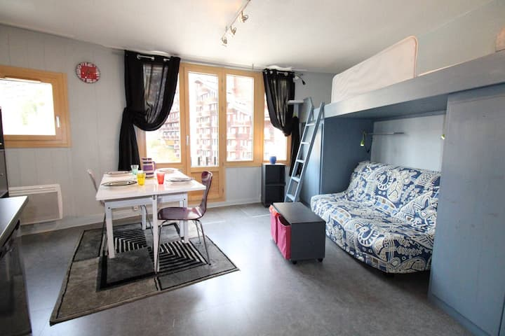 Lovely studio located in front of the Village to children