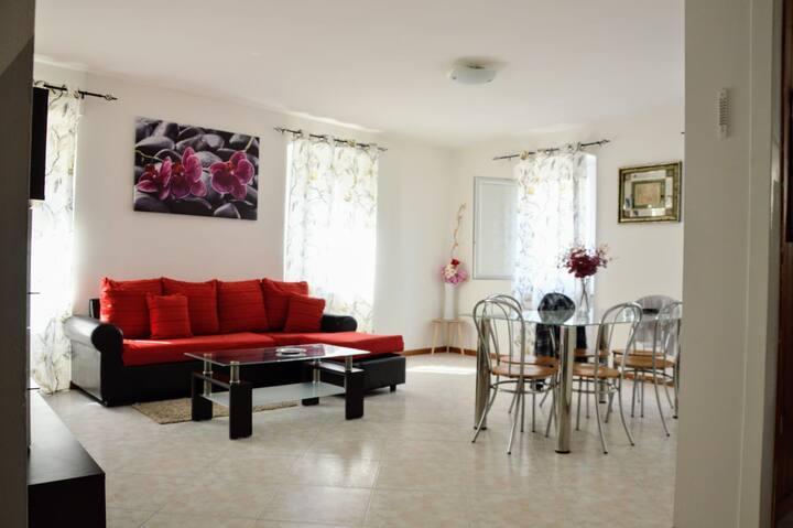 PAITITI: come se fossi a casa tua.022153-AT-722643