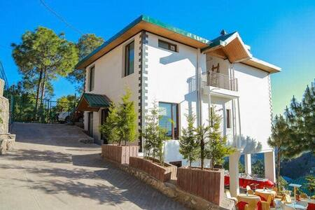 Shudh Villa set in Himalayas with beautiful view