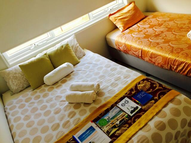 Comfy Private Triple Room Q KS Bed Near WhiteBeach - Torquay - Casa