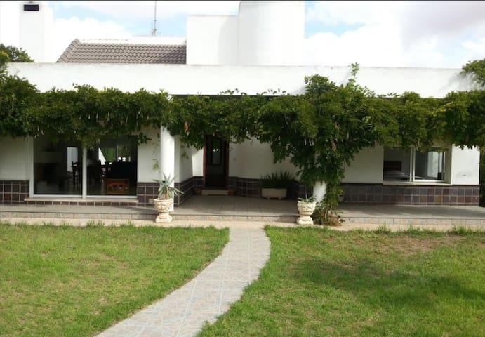 Habitación muy luminosa y tranquila - Cartagena