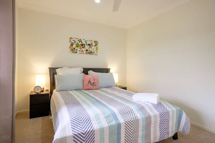 Fully A/C 2BD accommodation in Bayside