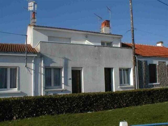 Appartement au 1ER et dernier etage - L'Aiguillon-sur-Mer - Apartment