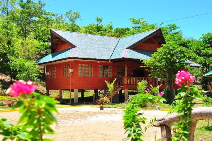Family Room at Sanctuary Garden - PH - Hytte