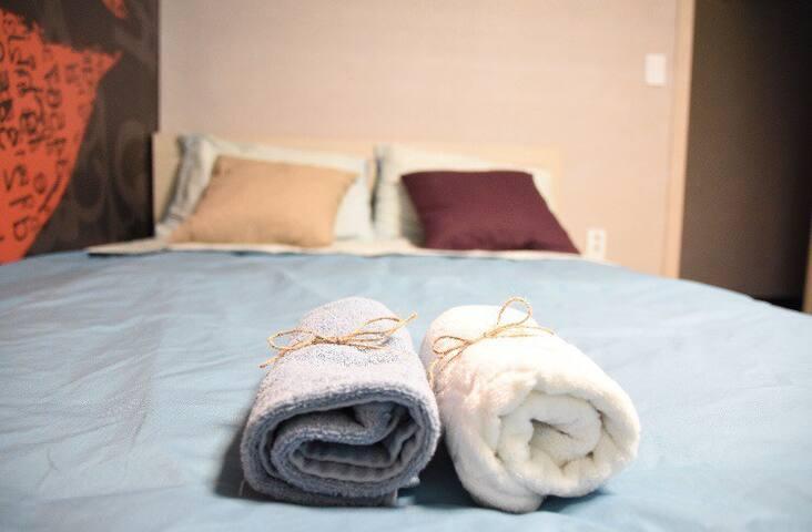 302호, 침대형 원룸, 커플룸, 가족룸