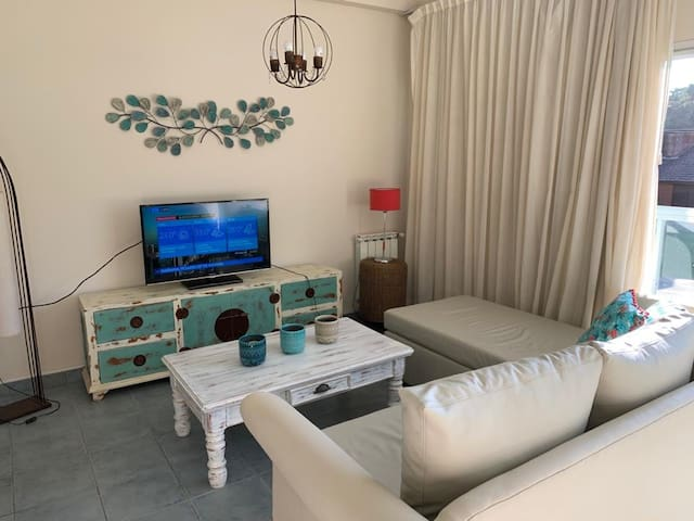 Hermoso apartamento junto al mar