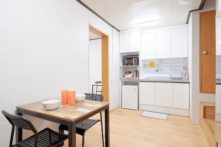 B01 Cheap yet comfy stay in Seoul