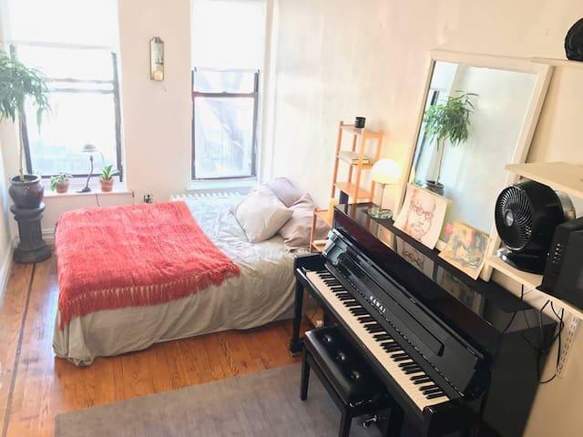 Quiet, Comfortable Studio in Chelsea/Village - New York - Apartment