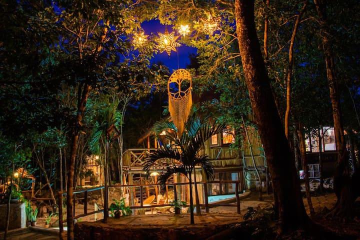 Selvaluna cabaña eco-chic en medio de la selva