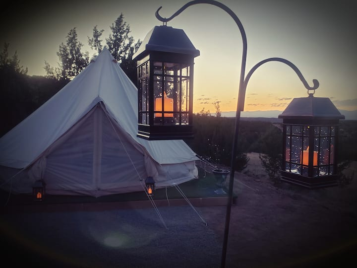 A Glamping Tent overlooking the valley & the stars