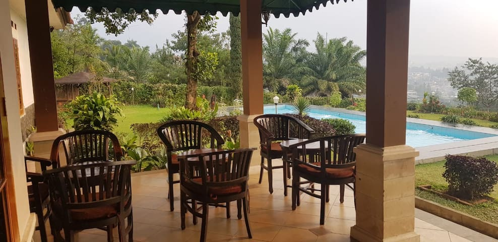 Best view, cozy villa for gathering, yard and pool