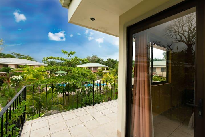 Villa Bella, Tropical Vacation Home