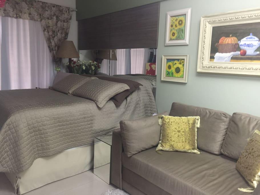 Studio com colchão Tempur e sofá-cama