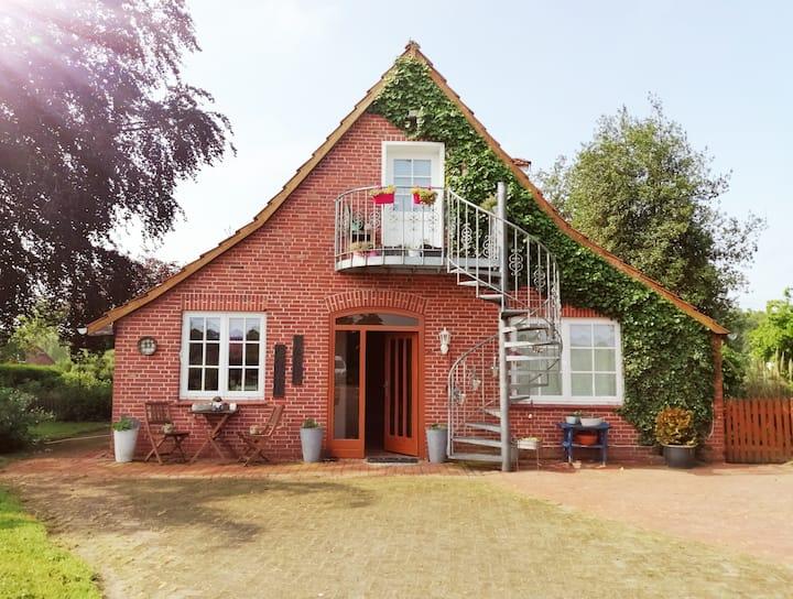 200 Jahre altes Landhaus mit antiker Ausstattung