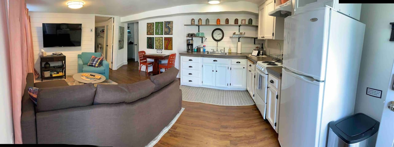 Seattle, airport/downtown, private modern 1bdrm