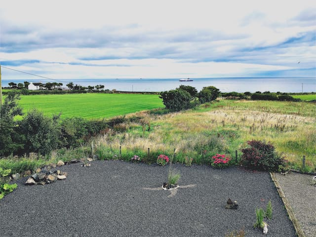 Ocean view from our Irish escape! - Islandmagee - Casa