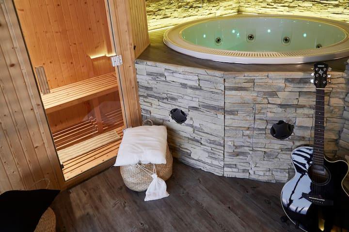 Villa&SPA  Cortona piscina sauna idromassaggio