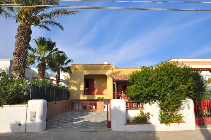 Three bedroom villa near the sea