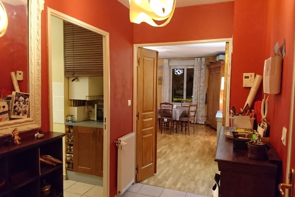 appart croix rousse avec parking limite lyon 4 appartements en r sidence louer caluire. Black Bedroom Furniture Sets. Home Design Ideas