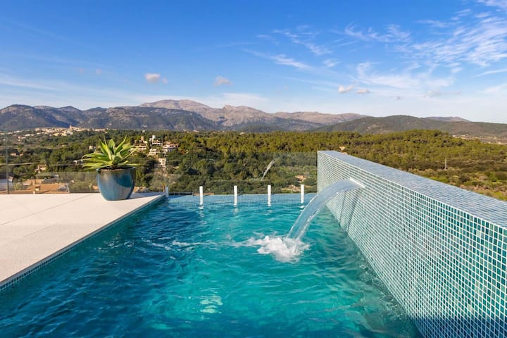 spectacular villa with breathtaking view large pool in Buger Mallorca