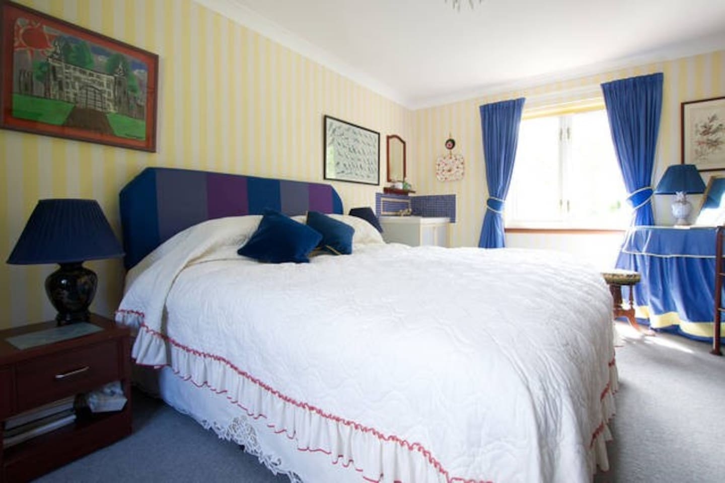 Large Double bedroom on 1st floor with own WHB, plus sep wc , WiFi, Full breakfast served. Adjacent wet room/shower/ wc ( Shower  room may be shared with others booked in another twin room - only when occupied). Cot available.