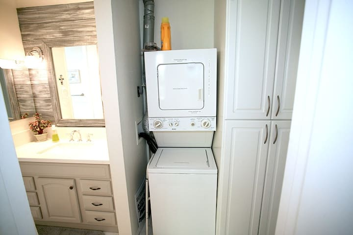 in-unit washer and dryer!!
