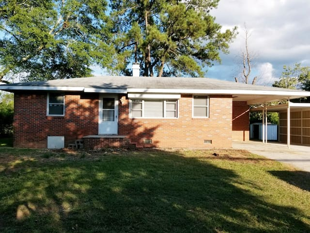 🌟Charming & Comfortable Bungalow near Fort Gordon