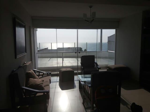 Lindo Departamento con muy bonita Vista al Mar.