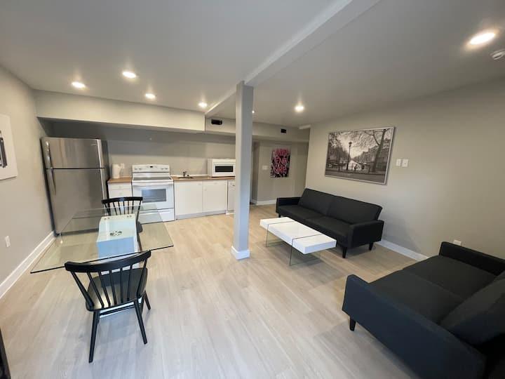 2 bedroom 2 block from beach and casino brand new.