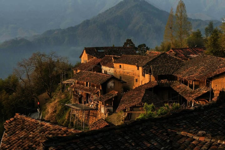 Perssimmon Lodge(6 rooms) // Mountain Peak//Lishui
