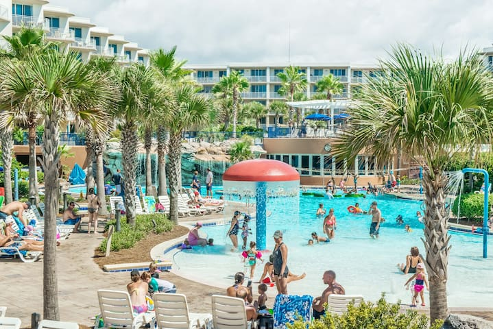2BR☼Waterscape 235A☼ Feb 16 to 19 $646 Total! Lazy River- Balcony- Fun Pass