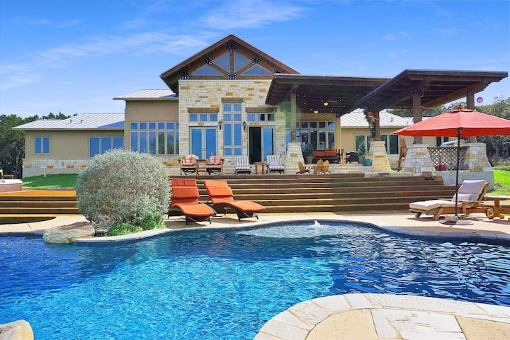 C L Ranch - Luxury estate with pool, hot tub, and outdoor kitchen!