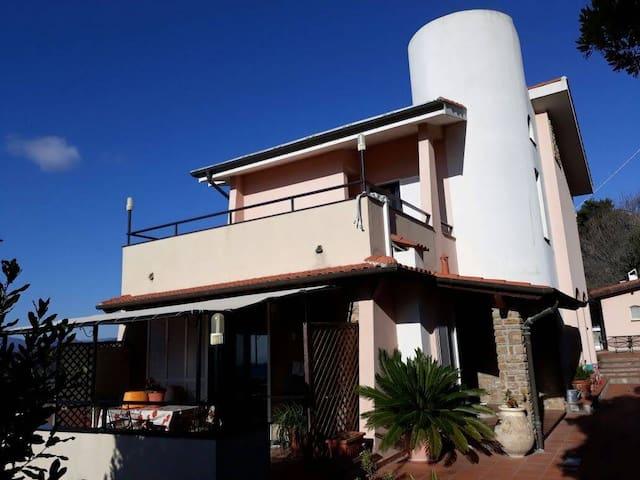 Villa Eleonora - citra n. 008040-LT-003