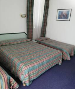 chambre pour 4 personne
