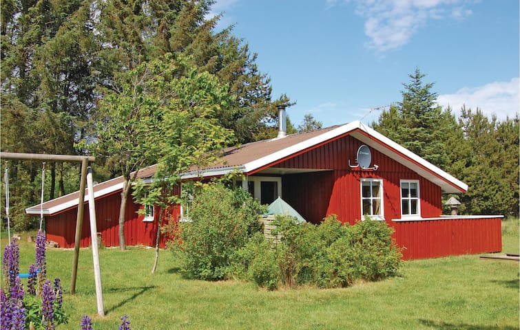 Holiday cottage with 3 bedrooms on 62m² in Blokhus