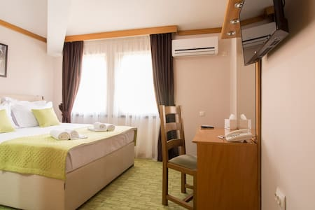 STANDARD ROOM -  DOUBLE BED