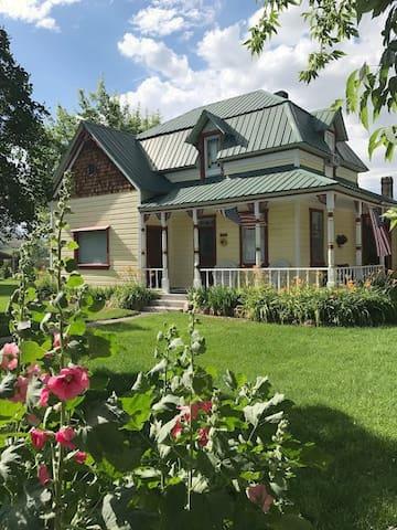 Victorian Farmhouse near Bear Lake