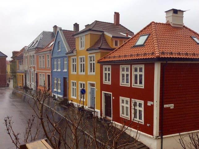 To komfortable rom midt i sentrum av Bergen