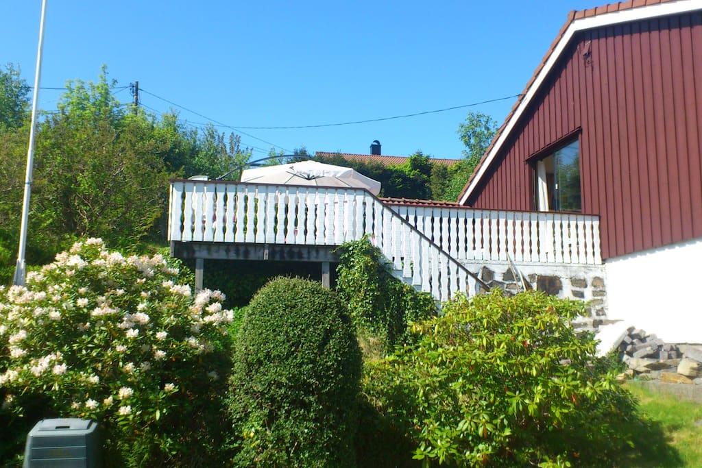 Terrasse seen from the garden