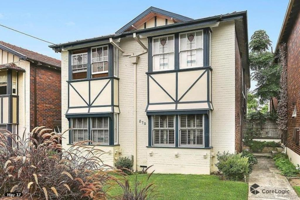 Built in 1926, the 'Doll Houses of Northbridge' are locally significant and heritage listed.