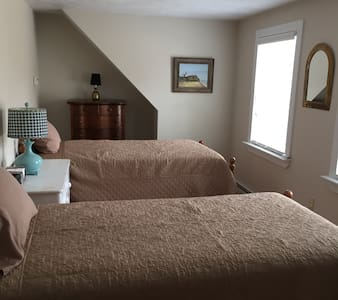 Mimi Penney's Cape Cod Retreat rm 3 - Eastham
